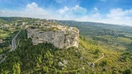 Photo vue du ciel des baux de provence